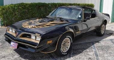 1. Smokey and the Bandit-1977 Pontiac Trans Am